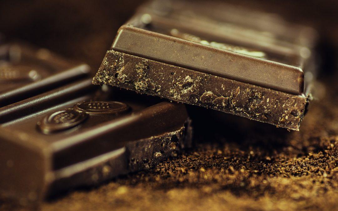 Przepis na idealnie kremową polewę czekoladową