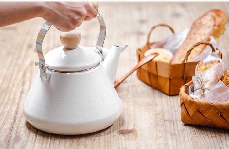 Jak dbać o czajnik emaliowany?