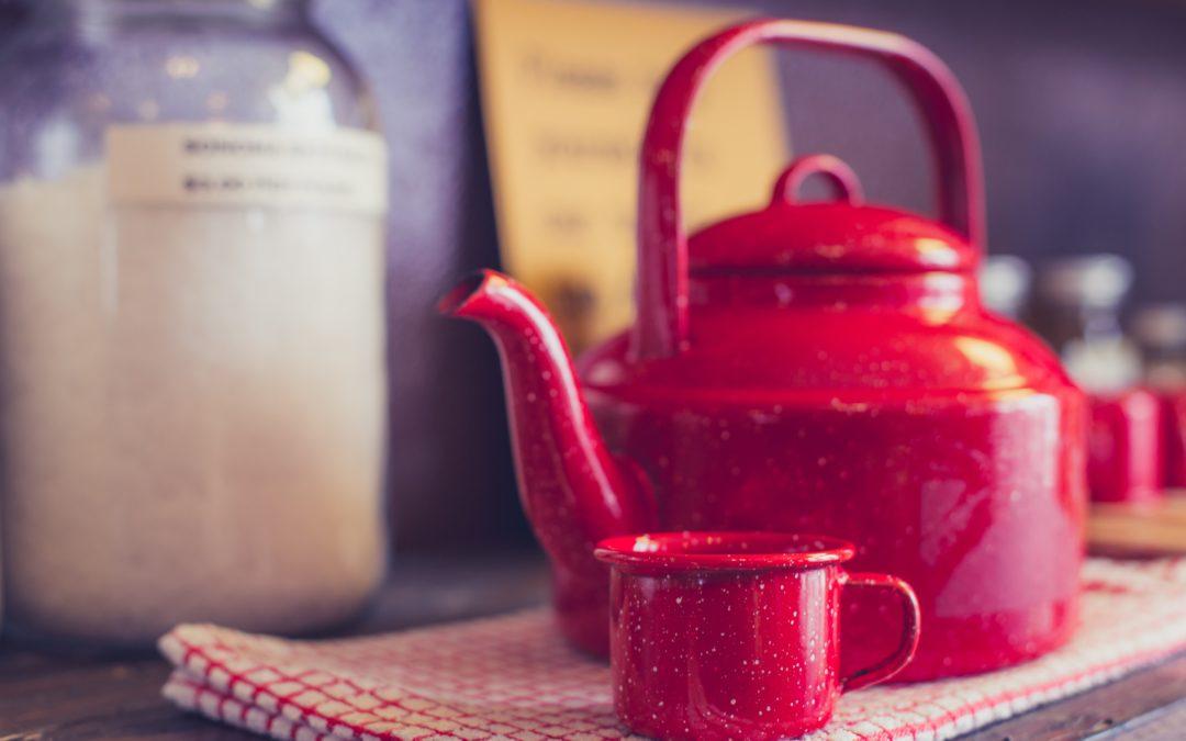 Herbata w imbryku emaliowanym – wady i zalety