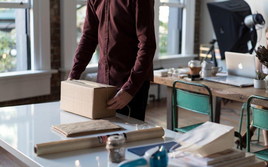 Pakowanie produktów w sklepie Naczynia Olkusz
