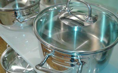Jak odróżnić garnek stalowy od aluminiowego?